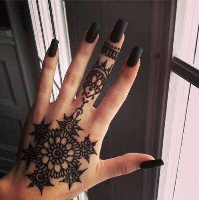 Татуировку хной