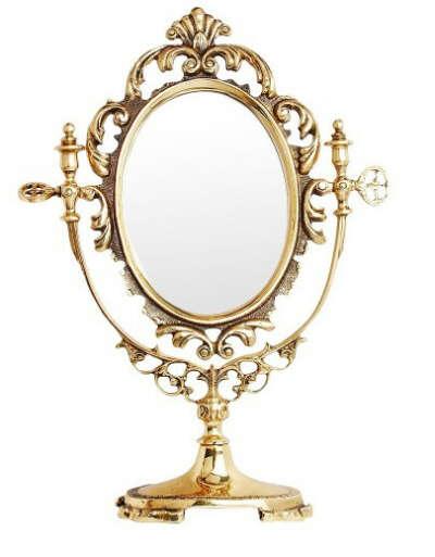 Красивое настольное зеркало