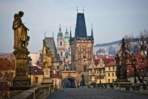 Поехать в Прагу