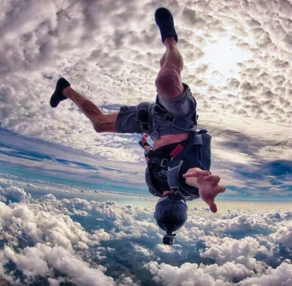 Прыжок с парашютом.