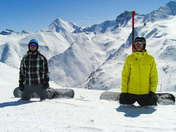 Пожить две недели в Швейцарии, катаясь на сноуборде и лыжах.