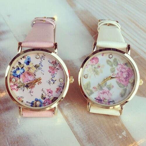 Часы с цветочным циферблатом