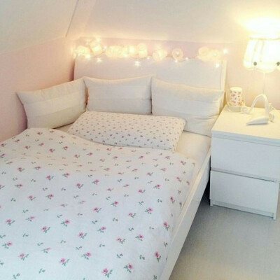 Обставить свою комнату