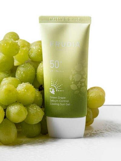 Солнцезащитный крем-гель с зеленым виноградом Себум контроль SPF50+PA++++ Green Grape Sun Gel, 50мл, FRUDIA