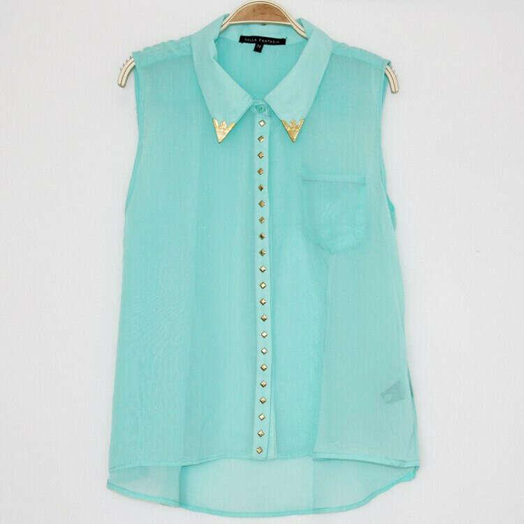 Блуза-жилет с уголками на воротнике и заклепками