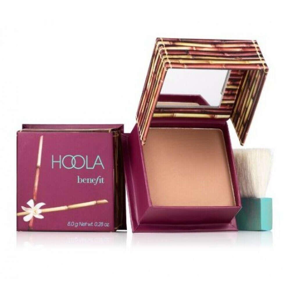Hoola bronzing powder by Benefit