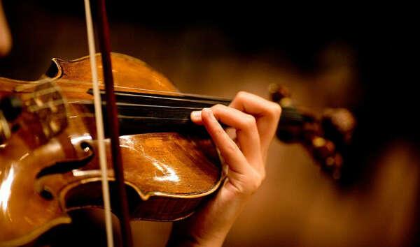 Сходить на концерт скрипки (Ванессы Мэй к примеру)