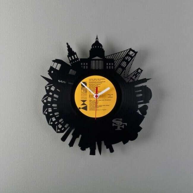 Часы из пластинки^^