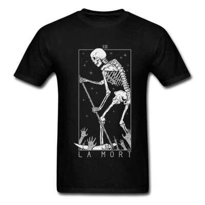 Оверсайз футболка с мрачным принтом