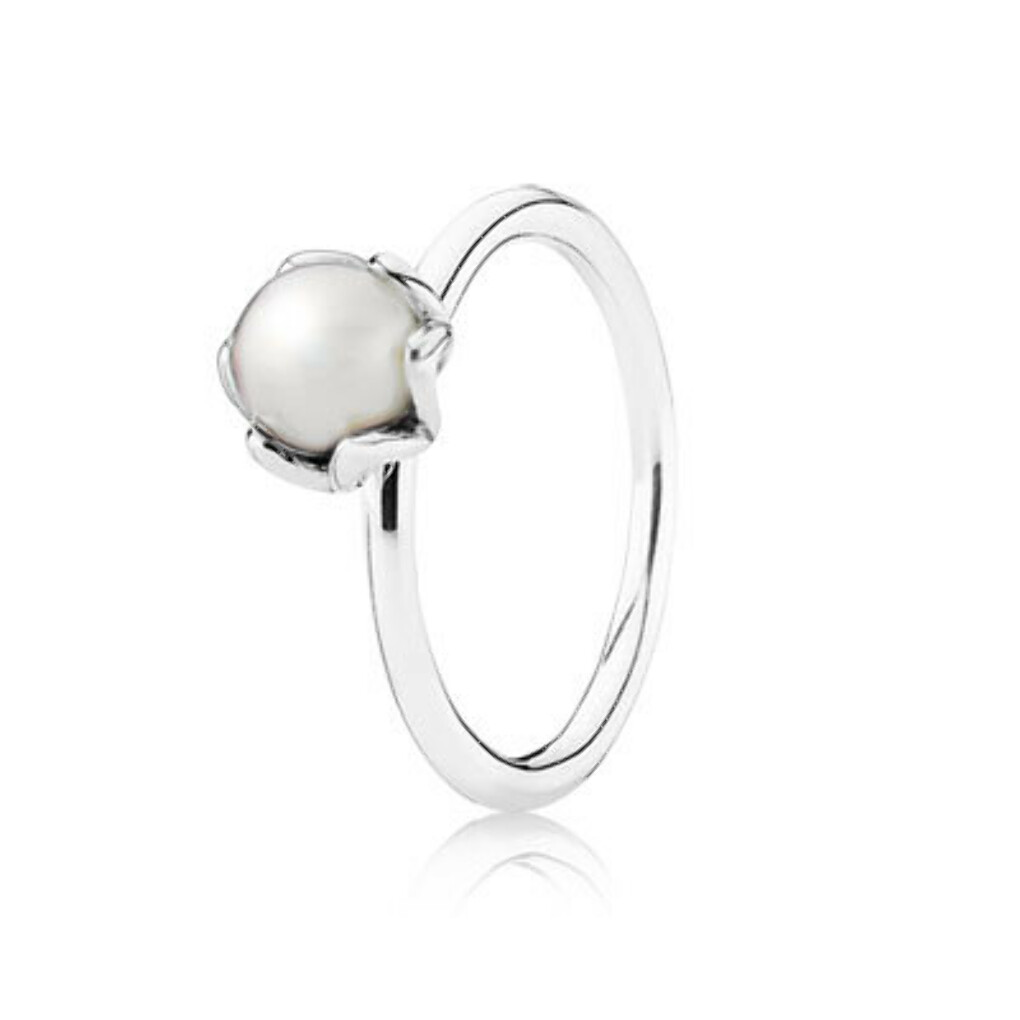 PANDORA   Silver ring with white freshwater cultured pearl