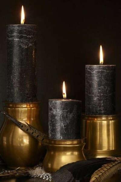 Черные восковые свечи широкие