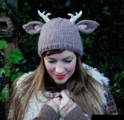 я хочу необычную и милую шапку,чтобы не болеть и поднимать настроение окружающим :з