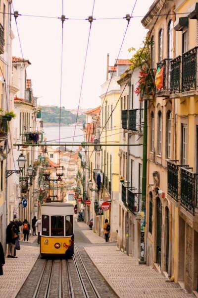 В Португалию