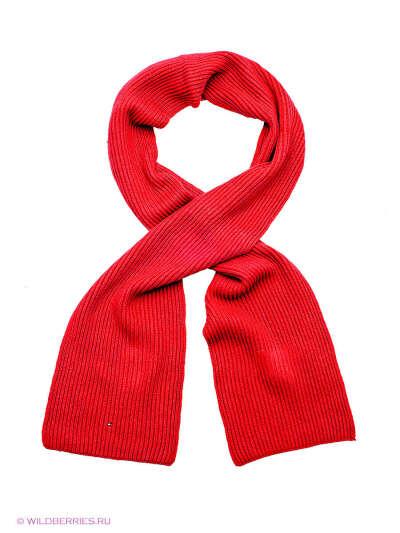 красный длинный шарф