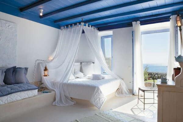 Белую воздушную кровать
