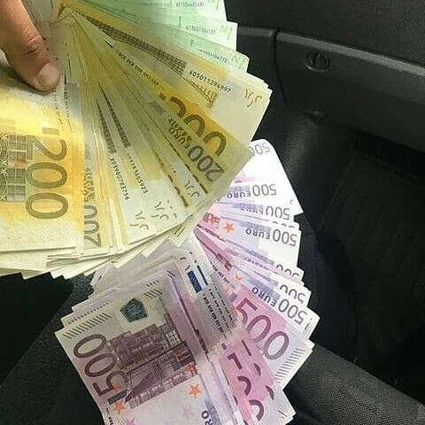 Я зарабатываю 10000€ каждый месяц в 2020 году