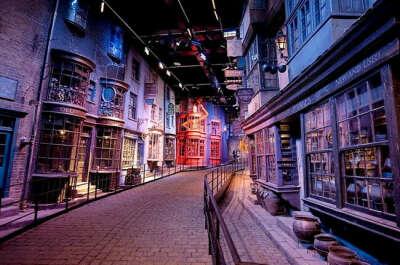 Посетить музей Гарри Поттера