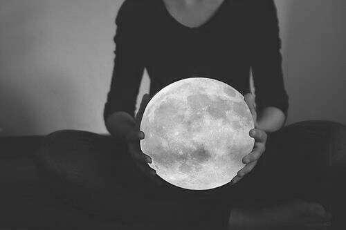 Светильник - луна
