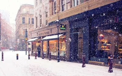 Прогуляться во время снегопада