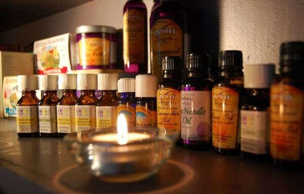 Набор натуральных ароматических эфирных масел.