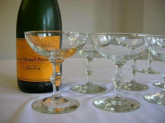 Ретро бокалы для шампанского