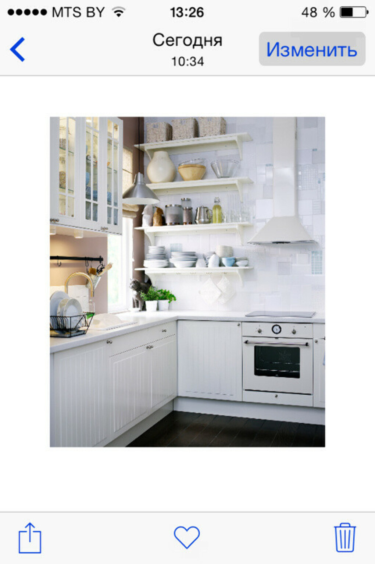 Светлую удобную кухню