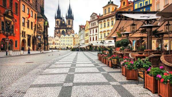 Уехать в Прагу