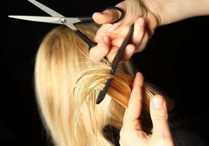 Подстричь кончики (не более 5 см)