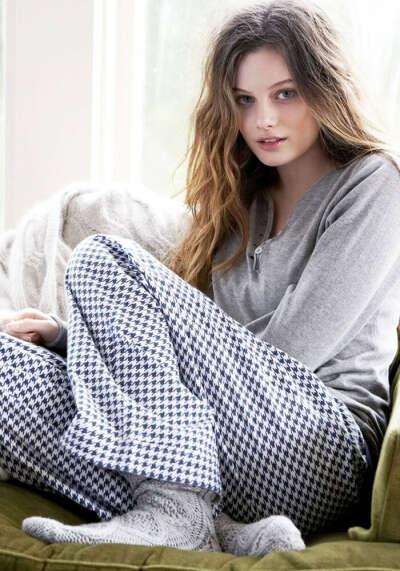 Теплую пижаму