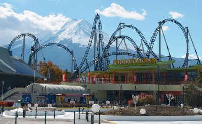 To visit Park Fuji Q Highland/Посетить парк Фудзи Кью Хайленд