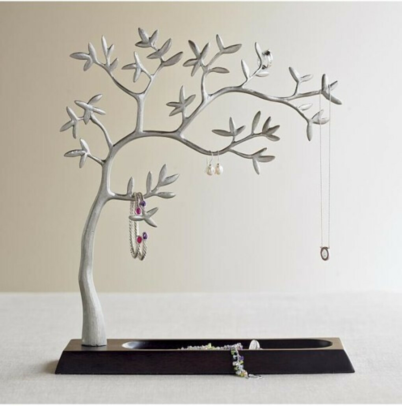 Вешалка для украшений в виде дерева
