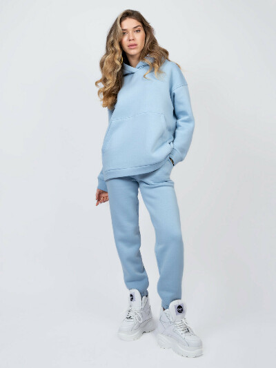 Голубой спортивный костюм оверсайз