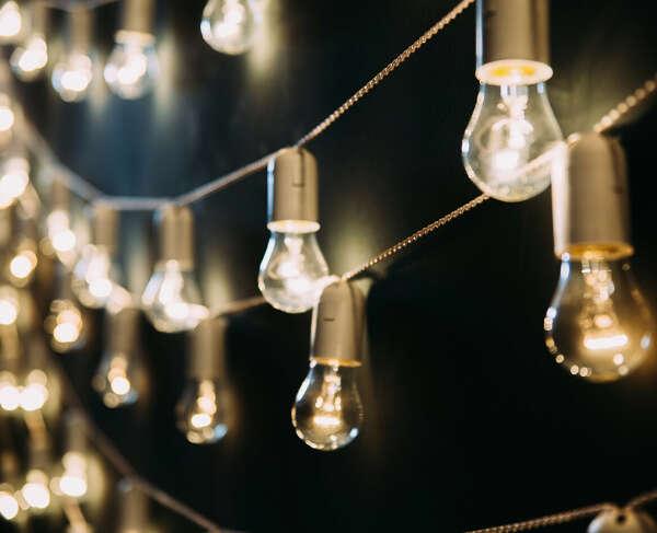 гирлянды-лампочки