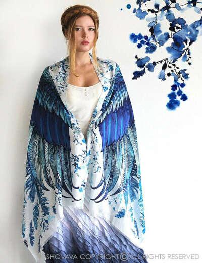 Платок с крыльями