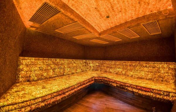 Посетить янтарную баню в Паланге