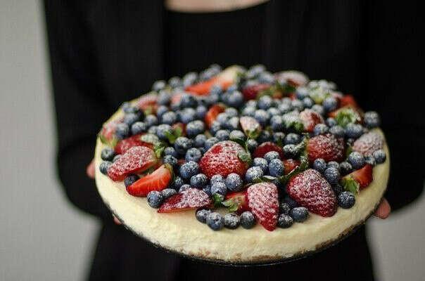 Приготовить пирог с ягодами