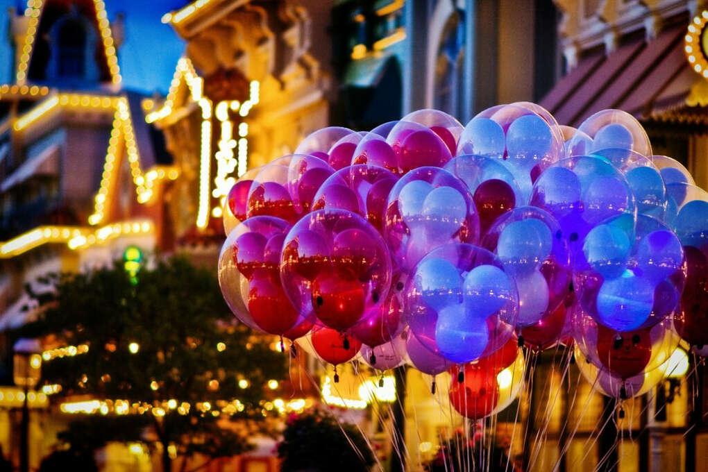 куча воздушных шаров