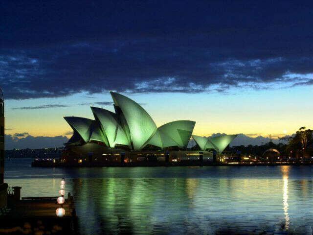 Посетить Австралию