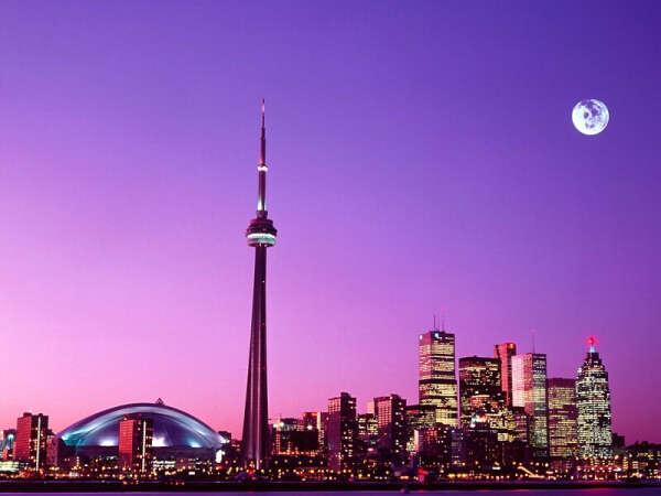 Посетить Торонто