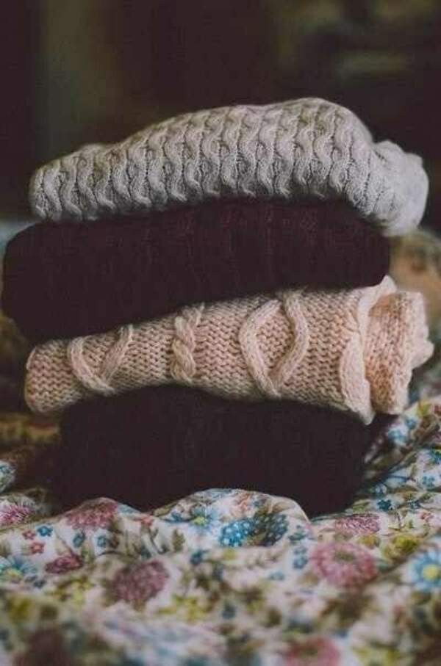 Много вязаных свитеров:3