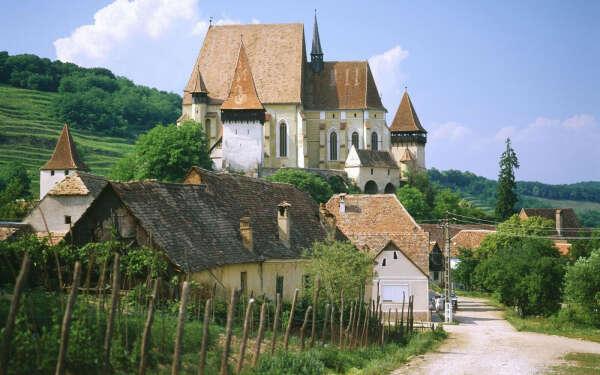 Поехать в Румынию