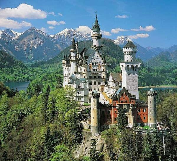 Посетить замок Нойшванштайн