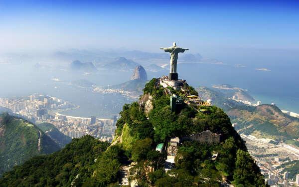 Побывать у статуи Христа-Спасителя, Рио-Дэ-Жанэйро