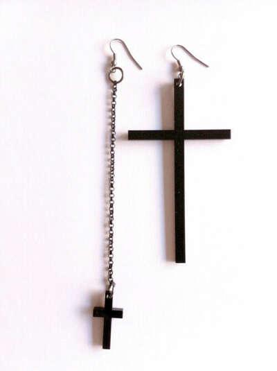 Серьги в виде крестов