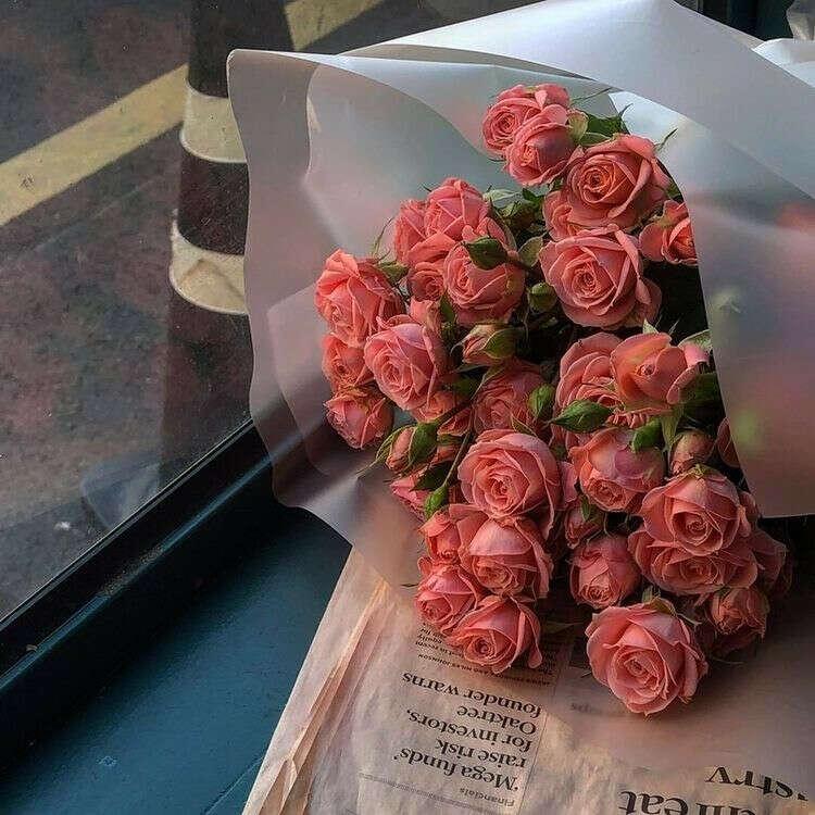 Кустовые розы нежно-розовые