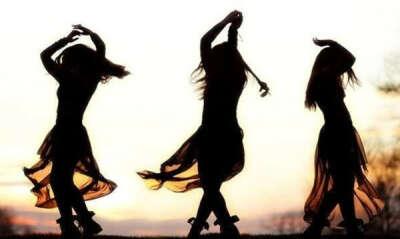 Танцы до утра с друзьями