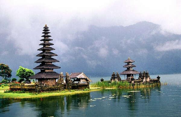 в путешествие по Индонезии