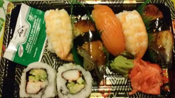 Научится готовить суши
