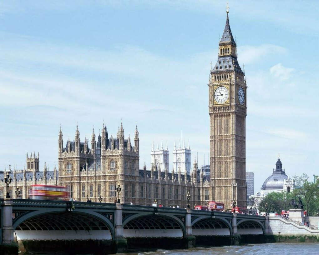 Поехать в Великобританию