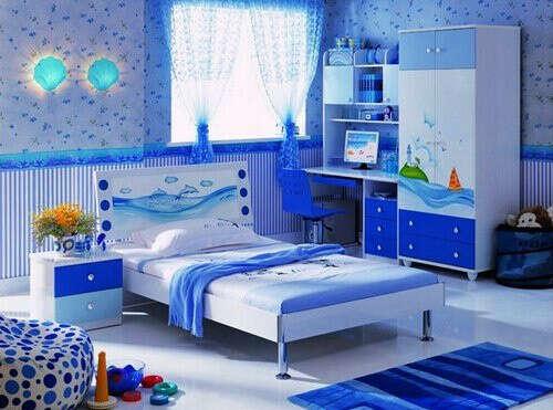 поддерживать порядок в своей комнате